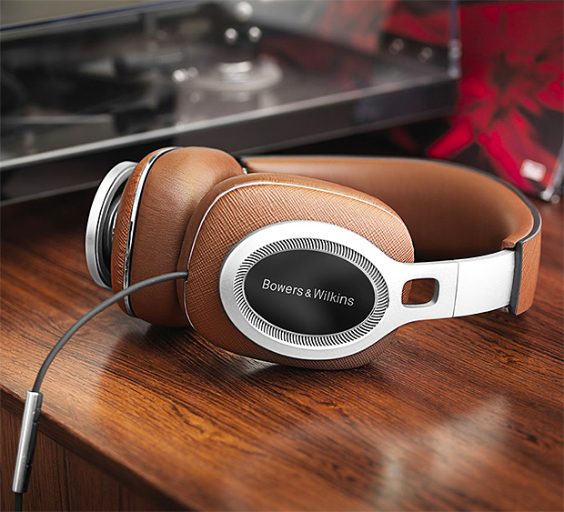 Bowers & Wilkins P9 Signature Headphones at werd.com
