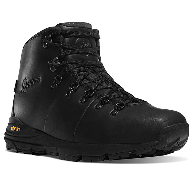 Danner Mountain 600 Carbon Black Full Grain at werd.com