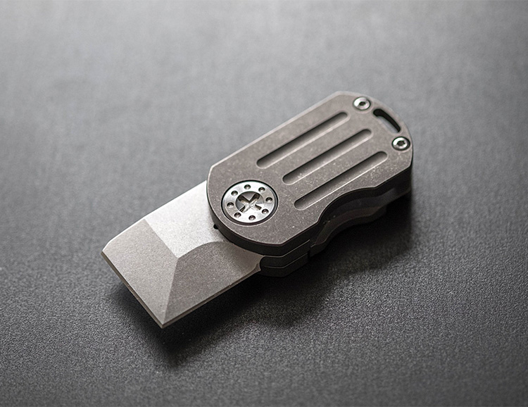 A Dogtag-Style All-Purpose EDC Knife: The ODT Flipper at werd.com