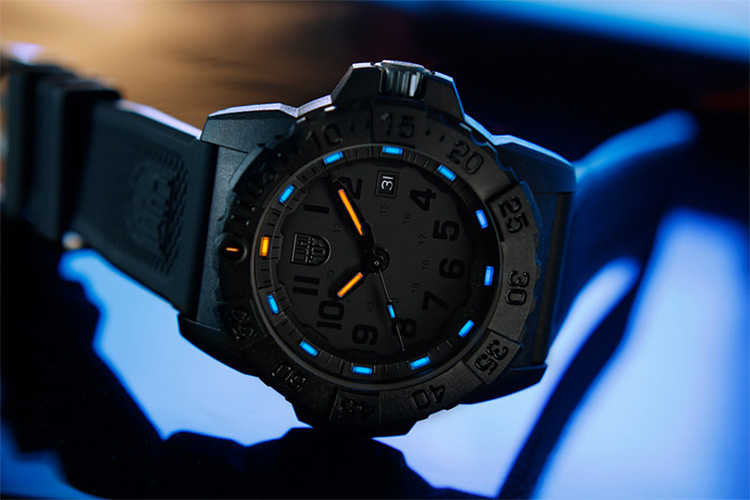 The Luminox Navy SEAL 3500 Goes Deep at werd.com