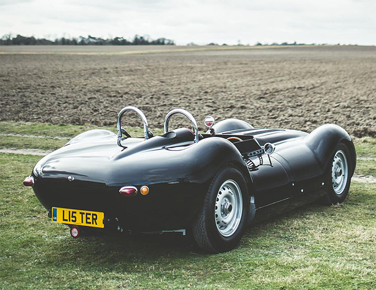 The Knobbly Sports Racer is the First Road-Legal Roadster from Lister at werd.com