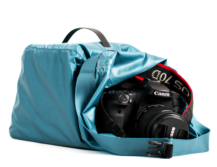 BE Outfitter's Cabrillo Dry Bag Keeps Your Camera Gear Safe & Dry