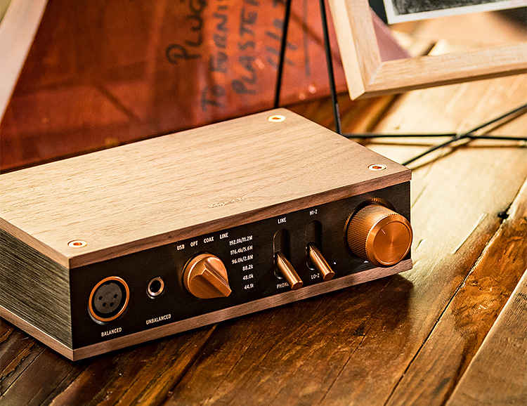 Klipsch Heritage Headphone Amplifier is a DAC & Dual Amp-In-One