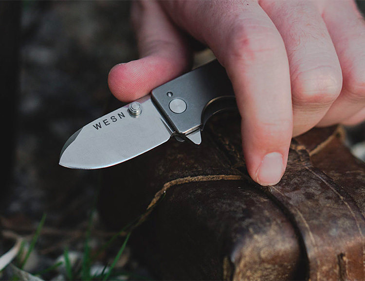 This Titanium Micro Blade is the Size of a Key at werd.com