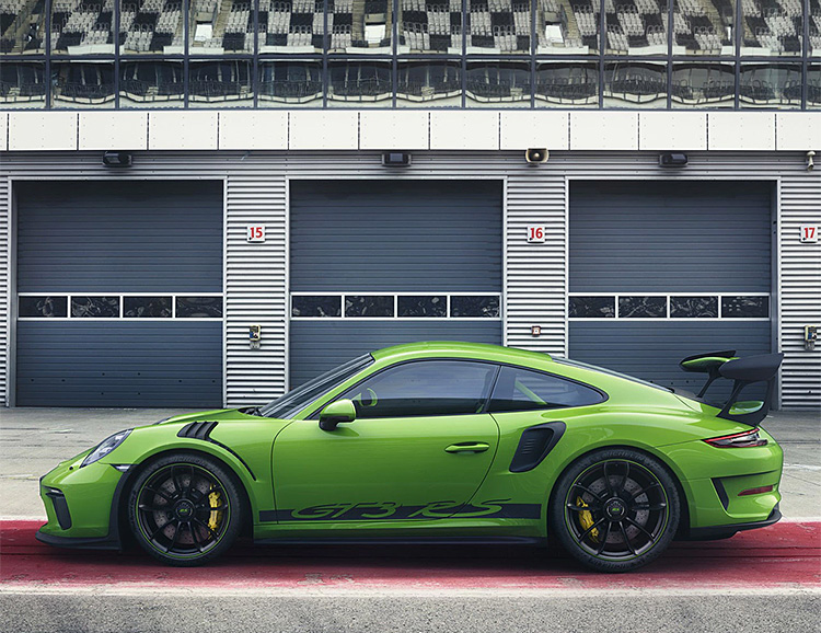 Porsche Rolls Out The 2019 911 GT3 RS at werd.com