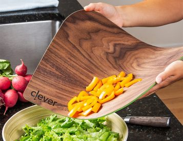 Your Wood Cutting Board Doesn't Bend Like This