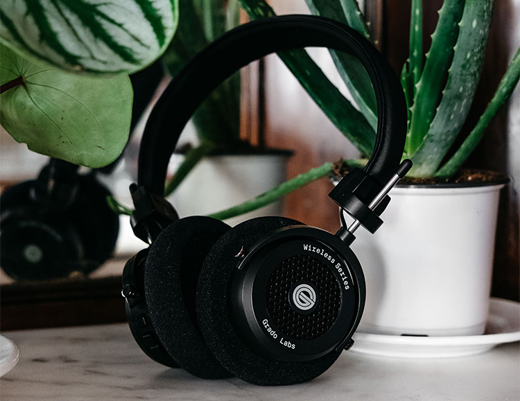 Grado Labs Introduces Bluetooth GW100 Headphones at werd.com