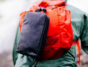 Gravel's Explorer SLIM is a Rugged, Lightweight Dopp Kit