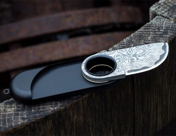 This is the World's Smallest Damascus Steel Pocket Knife