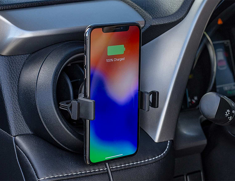 Mophie's Charge Stream Vent Mount Brings Qi Charging On The Road at werd.com