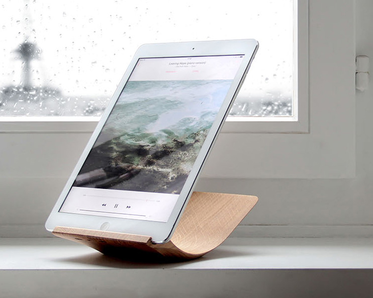 Your iPad Will Look Amazing On This Stand at werd.com