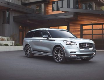 Lincoln Unveils Re-Designed Aviator SUV for 2020