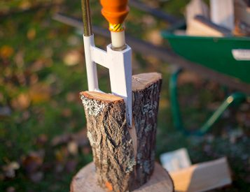 The Smart-Splitter Chops Wood Without Breaking Your Back