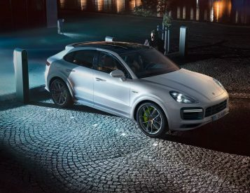Porsche Unveils Powerful 2020 Cayenne Turbo S E-Hybrid