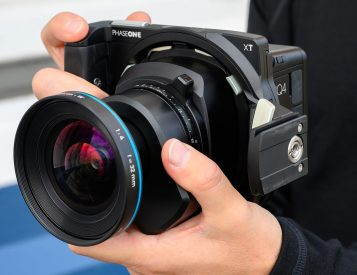 150-Megapixel Medium Format Manual: The PhaseOne XT