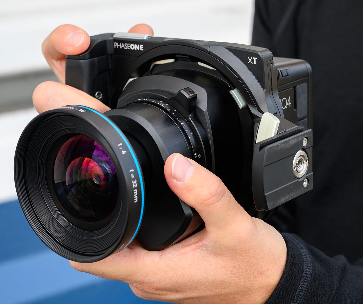 150-Megapixel Medium Format Manual: The PhaseOne XT at werd.com