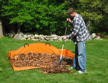 The Leaf Hauler Makes Fall Yard Work Fast & Easy