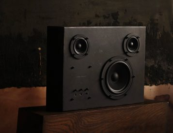 The Steel Speaker Brings Bluetooth to the Blacksmith