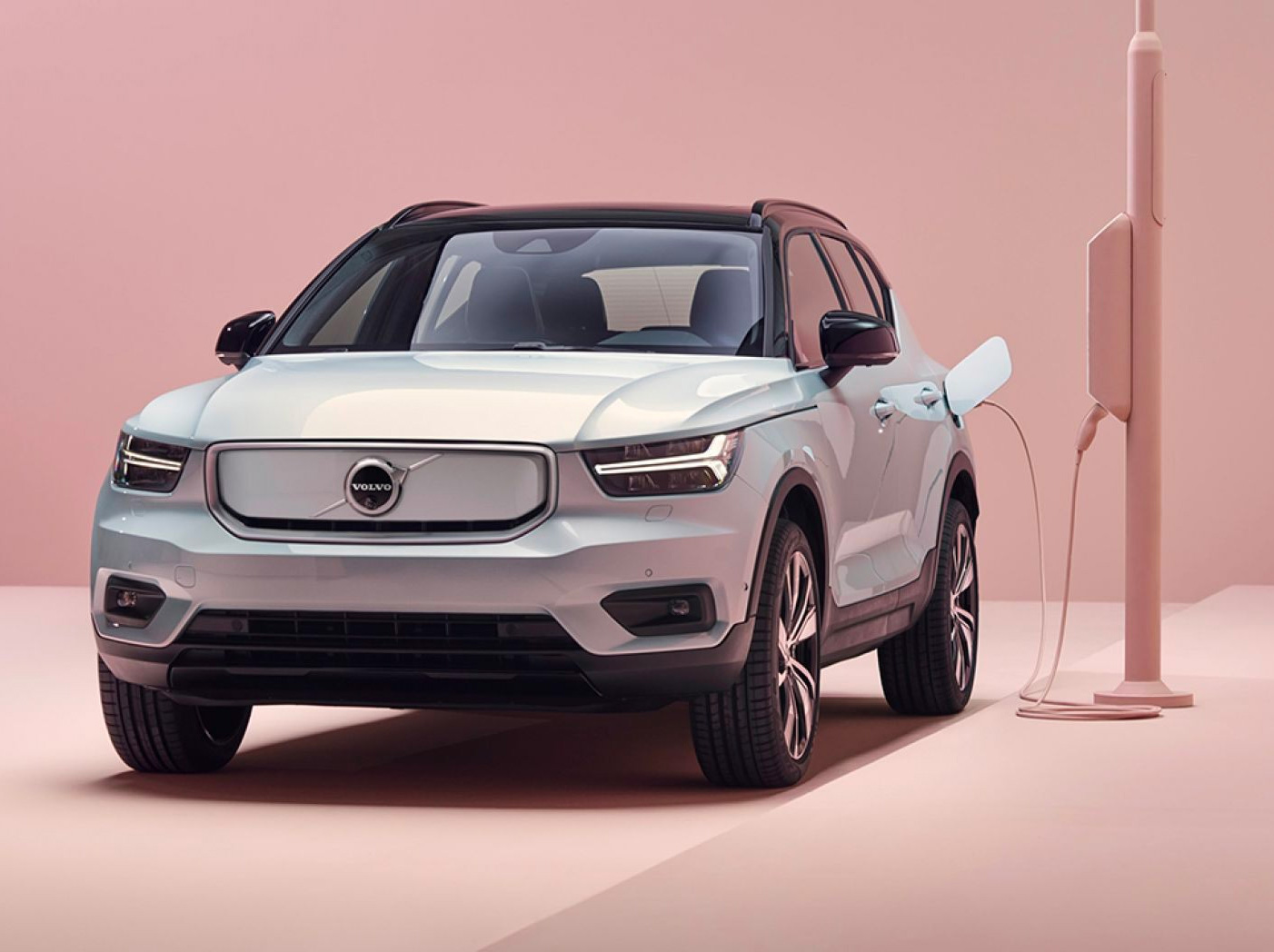 Volvo Rolls Out Its First All-Electric: The XC40 Recharge at werd.com