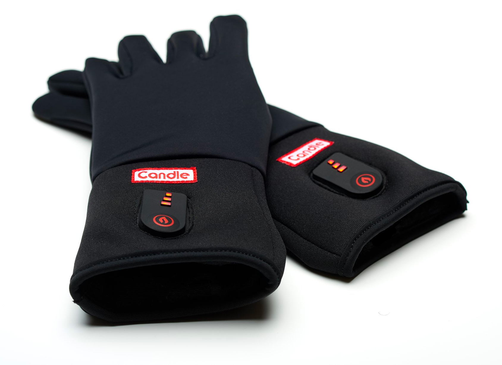 Winter Cold is No Match for Candle's Battery-Powered Gloves at werd.com